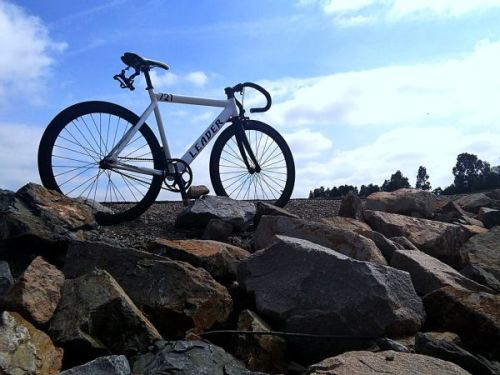 Pic of bycicle on rocks